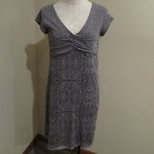 Athleta Dhara Burnout dress gray tee shirt